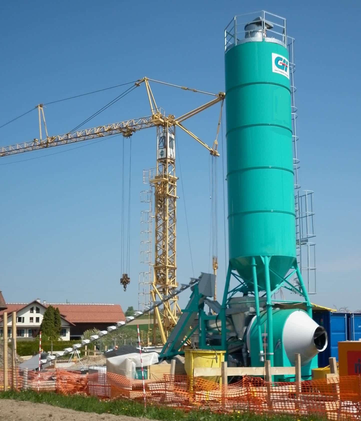 Une centrale à béton de chantier